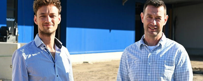 Paul Tüshaus (l.) und Betriebsleiter Oliver Hoffmann freuen sich über die Expansion des Dorstener Familienunternehmens in Marl.